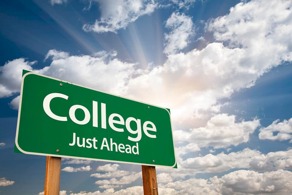 6357355563223698071895111441_college.imgopt1000x70.jpg