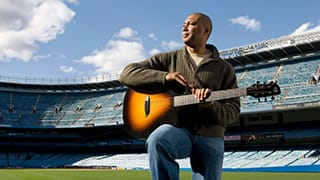 Bernie-Williams-Guitar-Yankee-Stadium-320px.jpg